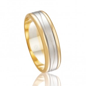 18k Wedding Band with Wave Pattern