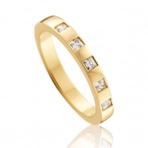 9k Princess Cut Diamond Wedding Band - 0.25ct Total Diamond Weight