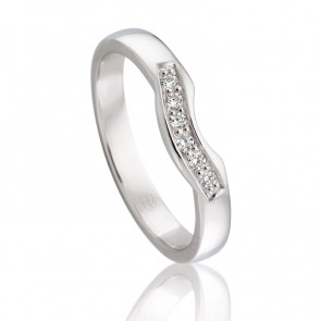 18k Diamond Set Curved Wedding Band - 0.06ct Total Diamond Weight