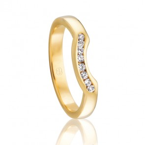 18kt Diamond Set Fitted Wedding Band - 0.08ct Total Diamond Weight